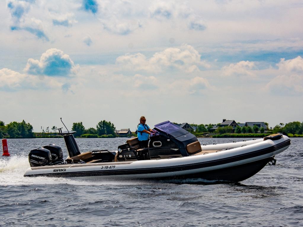 deze Brig is in de eerste plaats een genietboot, zij het een erg snelle.