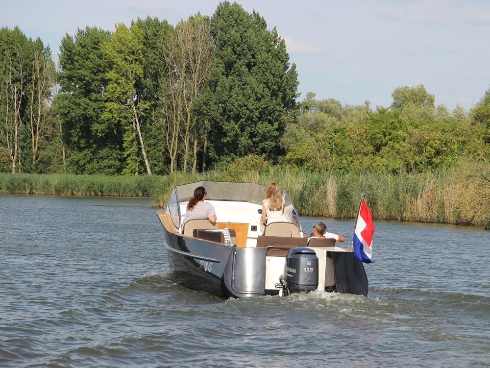 De ervaring leert dat de meeste boten op de binnenwateren blijven