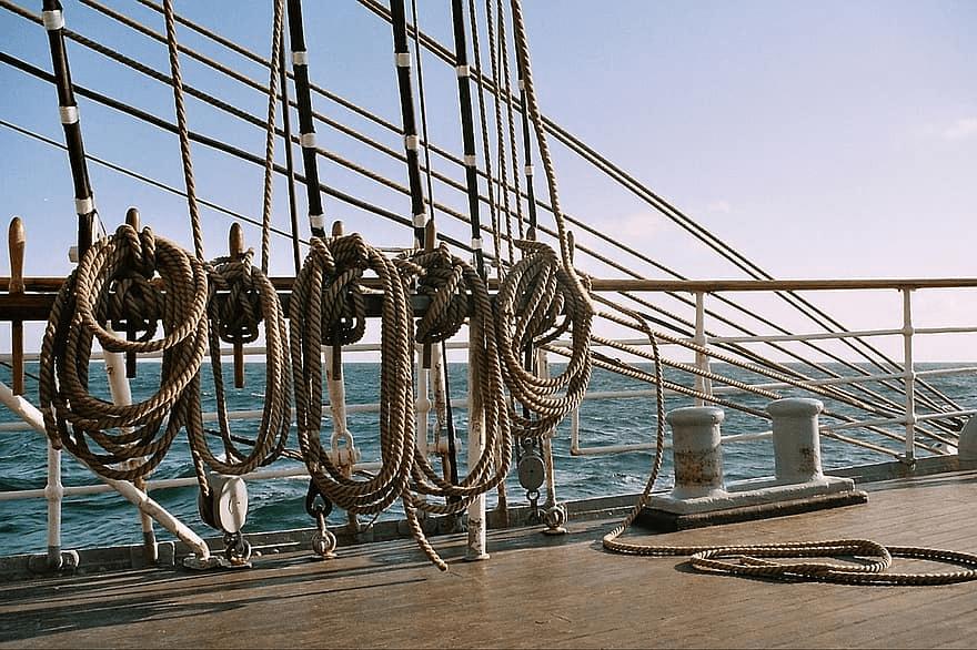 Les noeuds marins-annonces du bateau