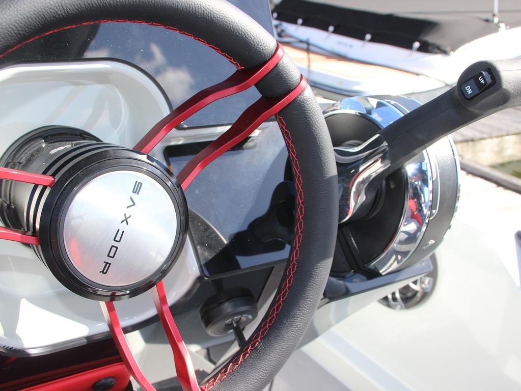 De 200 Sport is een compacte boot die het gemak en gebruiksgemak van een jetski combineert met de veiligheid en het comfort van een boot.