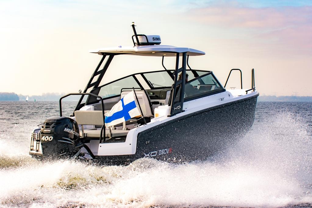 De XO 260 DSCVR is een zeer complete multifunctionele boot waar je 's zomers en 's winters geweldige avonturen mee kunt beleven.