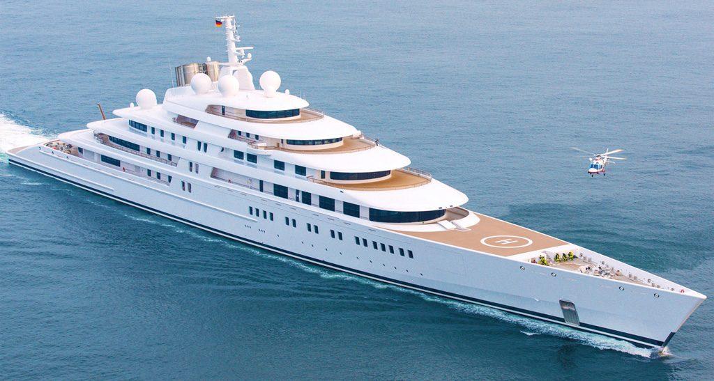 azzam-yacht-les-yachts-plus-chers-du-monde