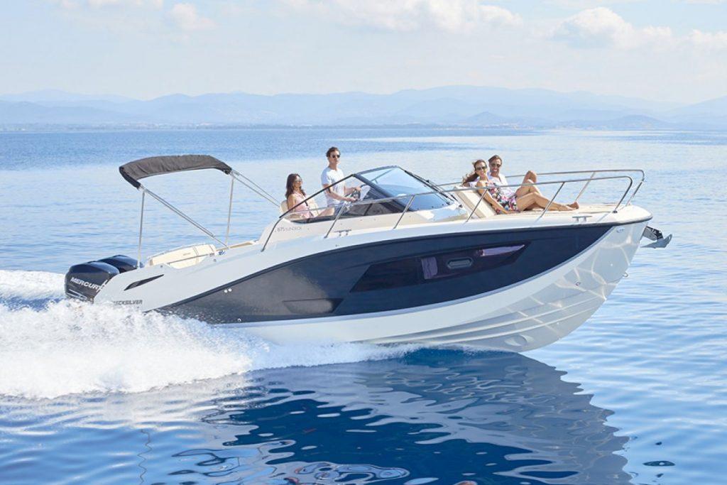 types de bateau à moteur